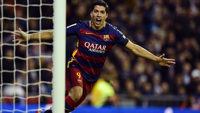"Barca's Uruguayan forward Luis Suarez during the Spanish league ""Clasico"" football match Real Madrid CF vs FC Barcelona at the Santiago Bernabeu stadium in Madrid on November 21, 2015."