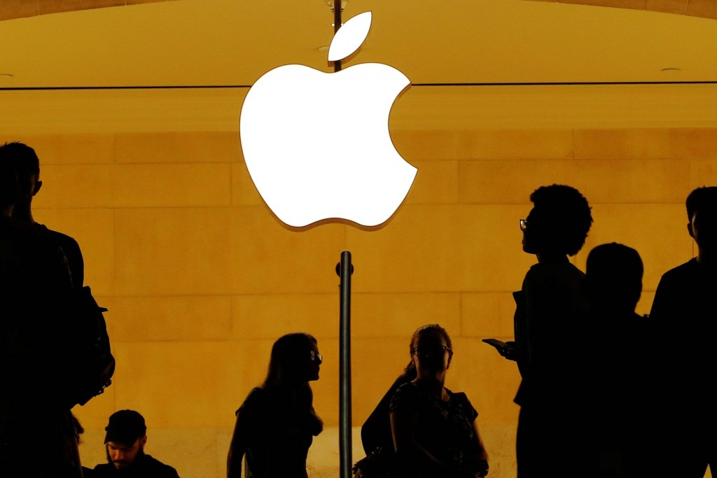 apple one trillion dollars