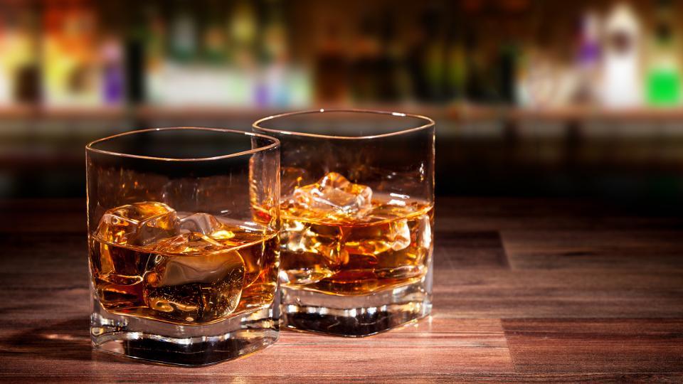best_whiskies_2018_-_whiskey_glass